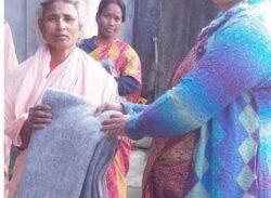 শিল্পী রানী রায় এর উদ্যোগে কিশোরগঞ্জে কম্বল বিতরণ