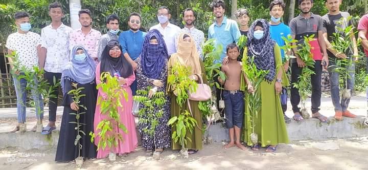মাসব্যাপী বৃক্ষরোপণ কর্মসূচি শুরু করেছে লক্ষ্মীপুরের আদর্শ মানব কল্যাণ সংগঠন