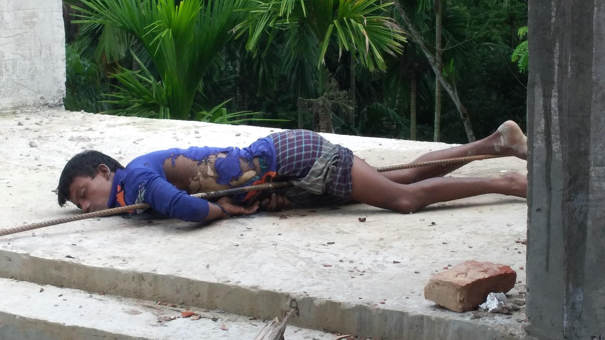 পিরোজপুরের কাউখালীতে বিদ্যুৎস্পৃষ্টে এক কিশোর নিহত।